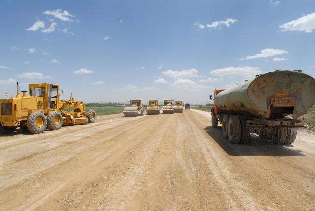 سرویس موکریان_ جابه جایی سرنوشت پمپ بنزینی است که دو ماه عملیات ساخت یکی از روگذرهای پروژه کنارگذر بوکان را متوقف کرد.